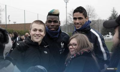 Audrey et Raphaël aux côtés de Paul Pogba et Raphaël Varane