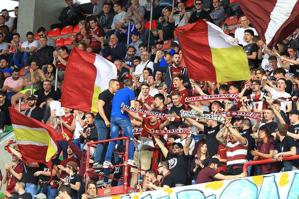 Les supporters au Stade Saint Symphorien
