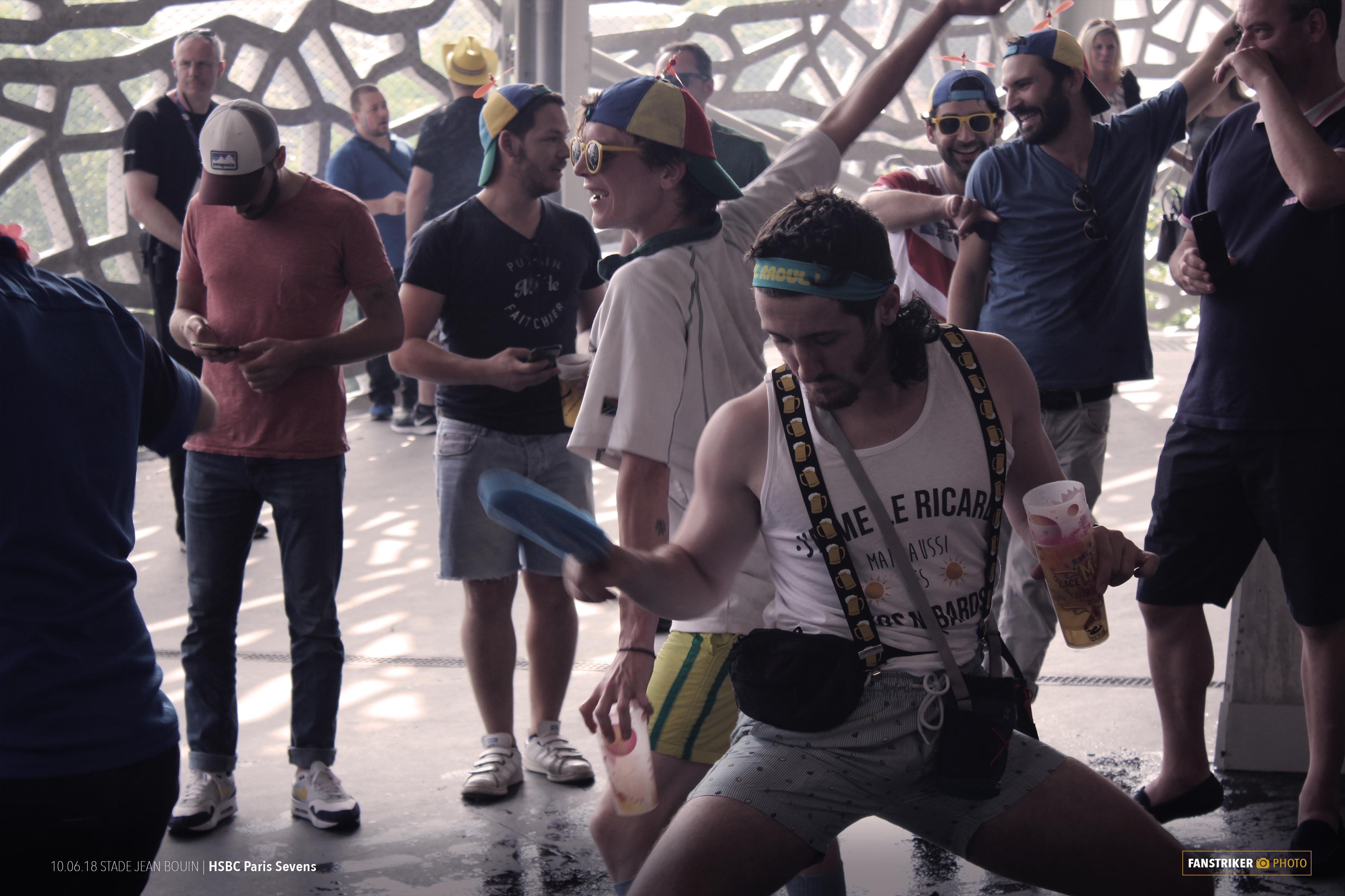 La danse, la musique et les déguisements