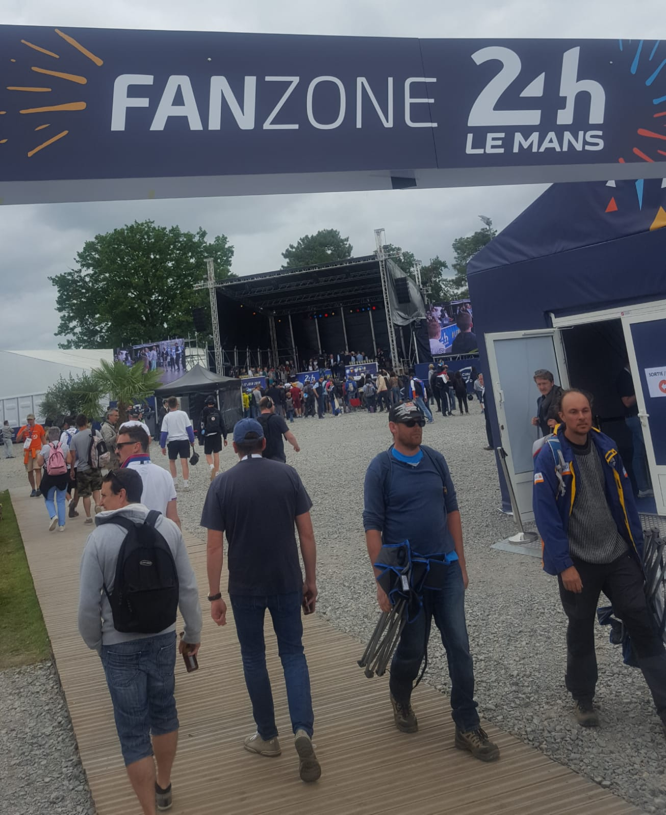 fan zone Xtrme Agency au 24 h du Mans