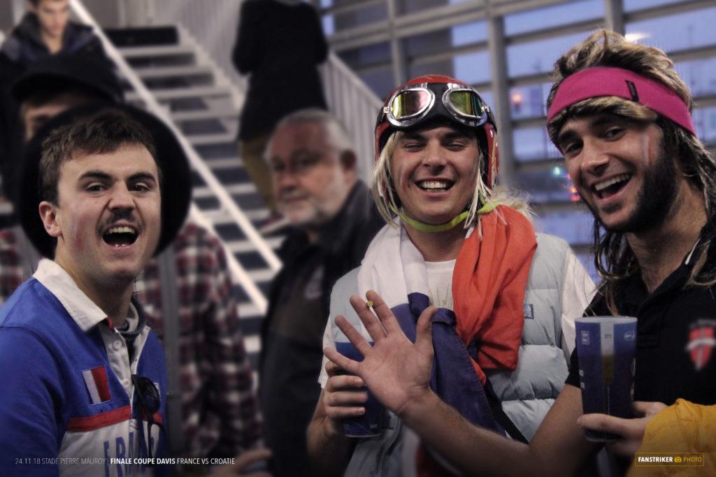 Des supporters déguisés.
