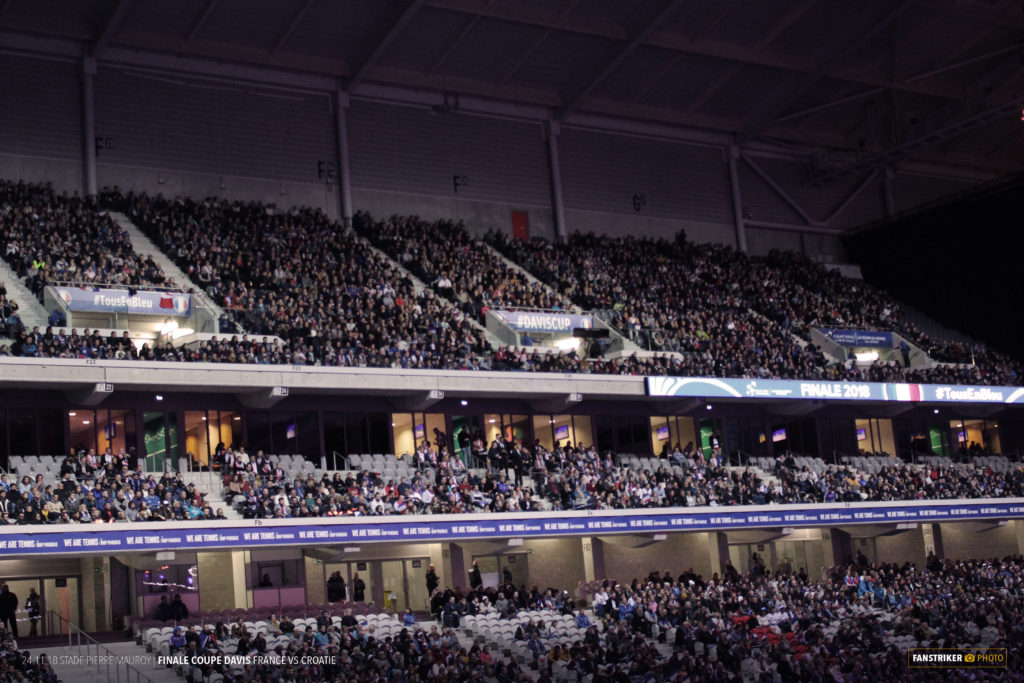 La tribune Est du stade Pierre Mauroy