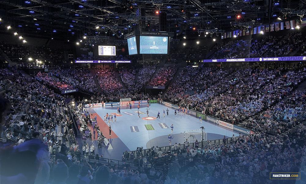 La salle pleine de l'AccorHotels Arena