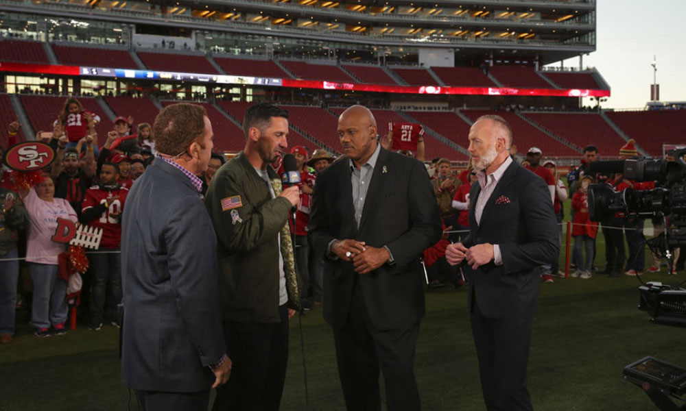 Post game field access au 49ers de San Francisco