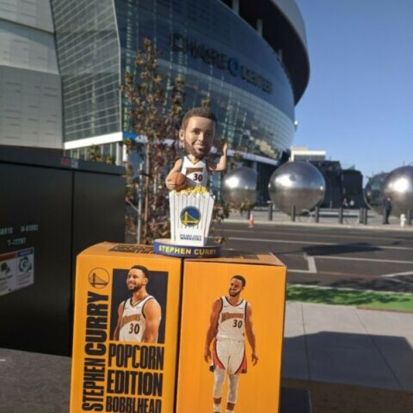 Stephen-Curry-Popcorn-Bobblehead-Fanstriker
