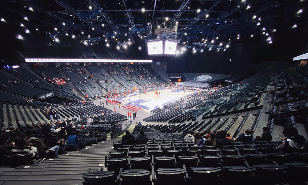 La salle de l'AccorHotels Arena avant l'arrivée du public