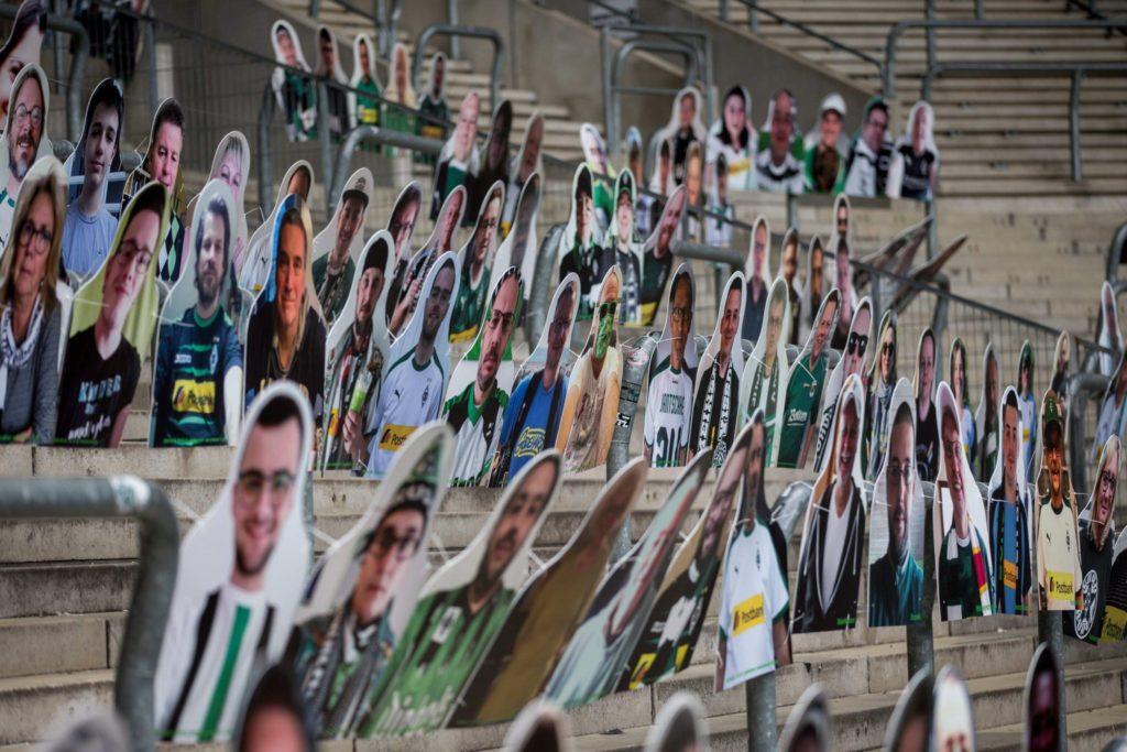 Déjà plus de 5 000 photos de fans en carton dans les tribunes du Borussia Mönchengladbach