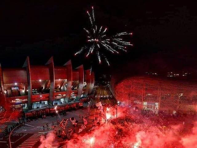PSG fans supporting their team outside the stadium in the last game before the UCL was put on hold