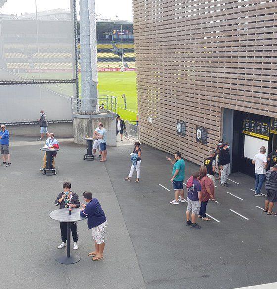 Spectateurs Stade Rochelais à Marcel Deflandre
