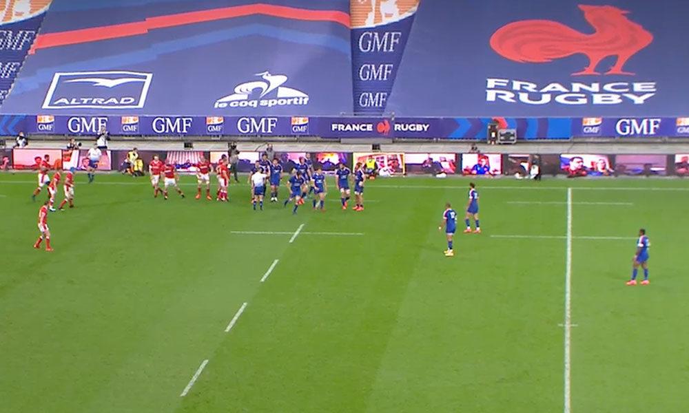 200 fans sont sur les panneautiques leds du Stade de France pour le match du XV de France